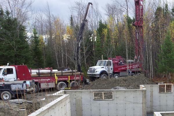 camion puits artésien, camion forage puits artésien,
