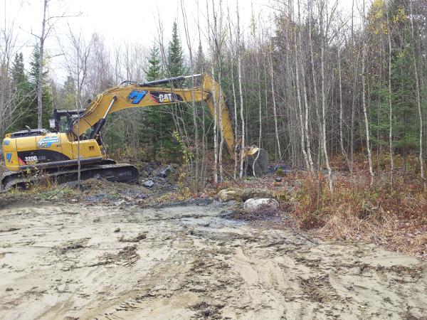 excavation tranchée puits, tranchée puits artésien,