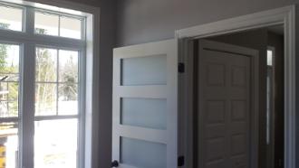 boiserie finition, moulures portes et fenêtres,