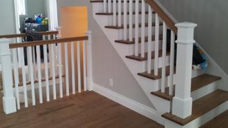 escalier en bois franc, escalier blanc, gypse escalier,