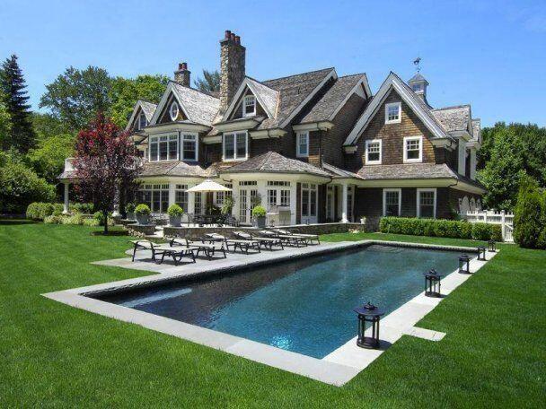 maison de riche, maison millionnaire, piscine creusée,