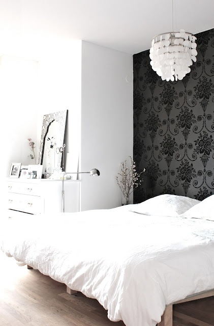 papier peint dans la chambre coucher. Black Bedroom Furniture Sets. Home Design Ideas