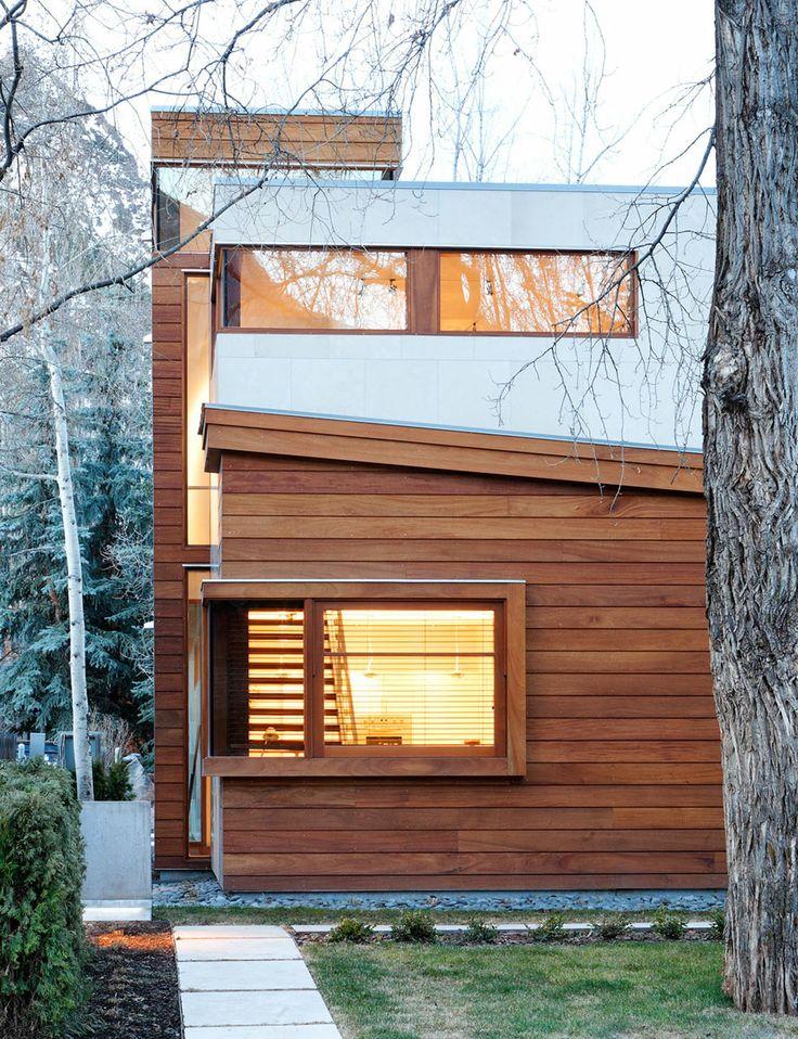 maison moderne en bois, maison contemporaine carrée bois, |