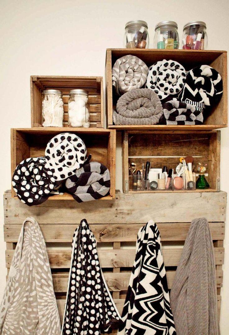 porte serviettes en bois, serviettes de bain,