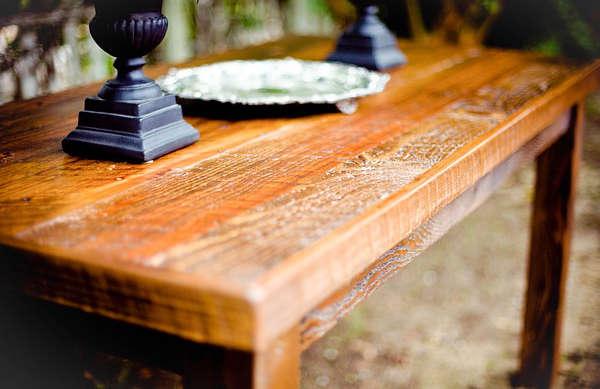 nettoyer un meuble en bois, laver un meuble en bois,