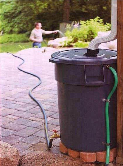 idée récupérateur d'eau de pluie, photo récupérateur d'eau,