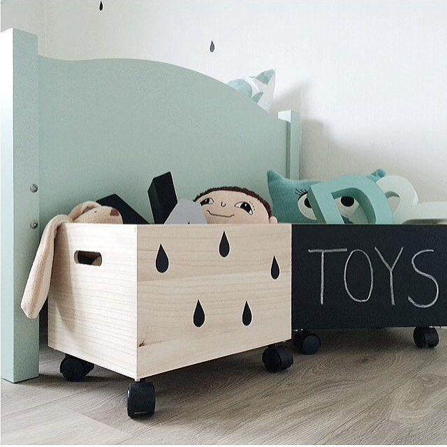 Caisse en bois pour ranger les jouets