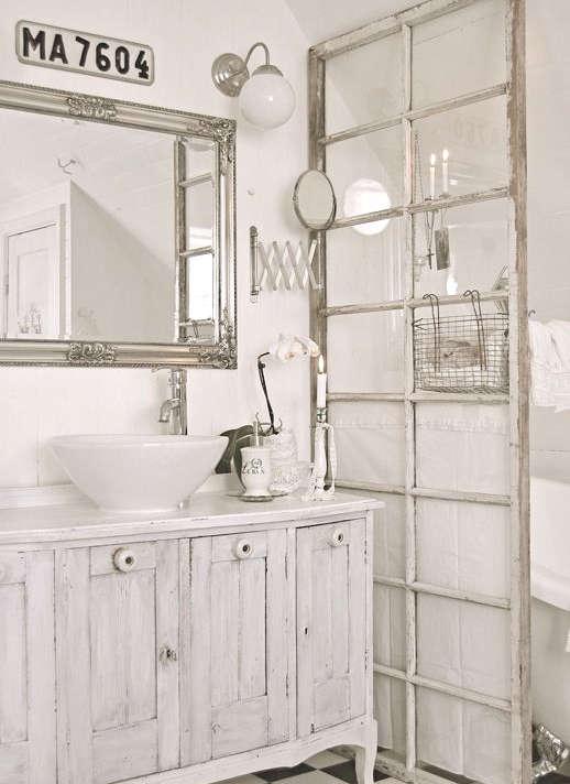 recycler une vieille fen tre id es et photos. Black Bedroom Furniture Sets. Home Design Ideas
