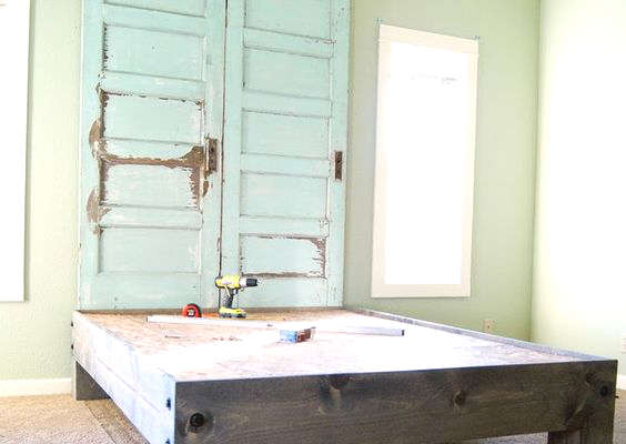 Idée de tête de lit en bois à fabriquer