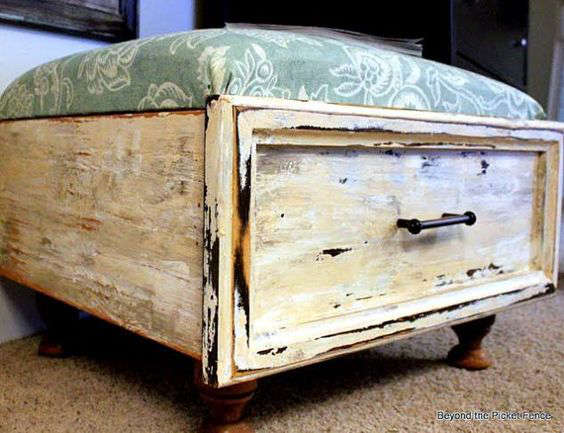 fabriquer un pouf avec un vieux tiroir