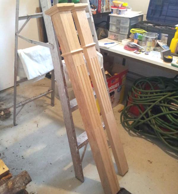 Poteau et demi poteau d'escalier