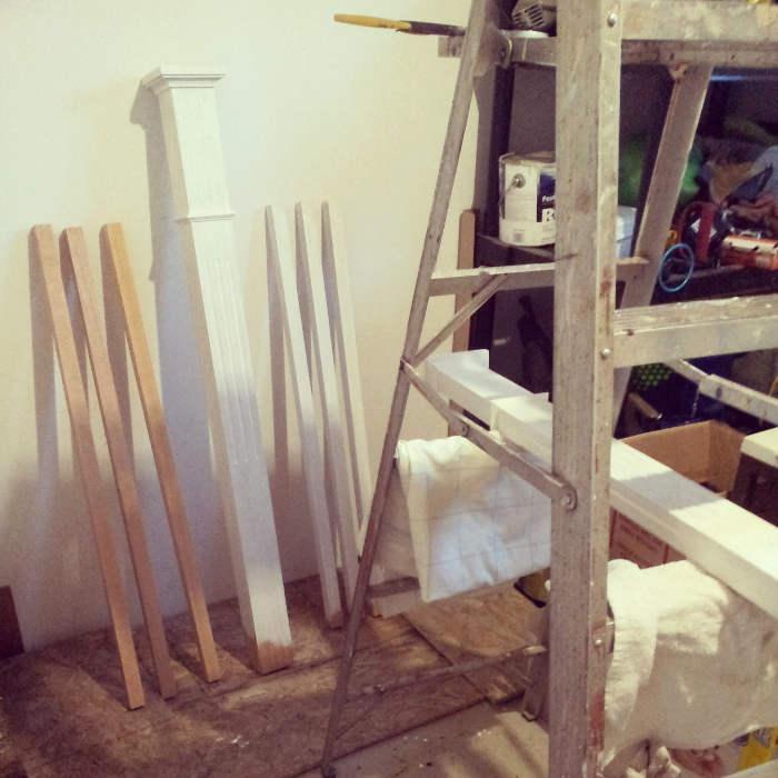 Peinture les poteaux de l'escalier