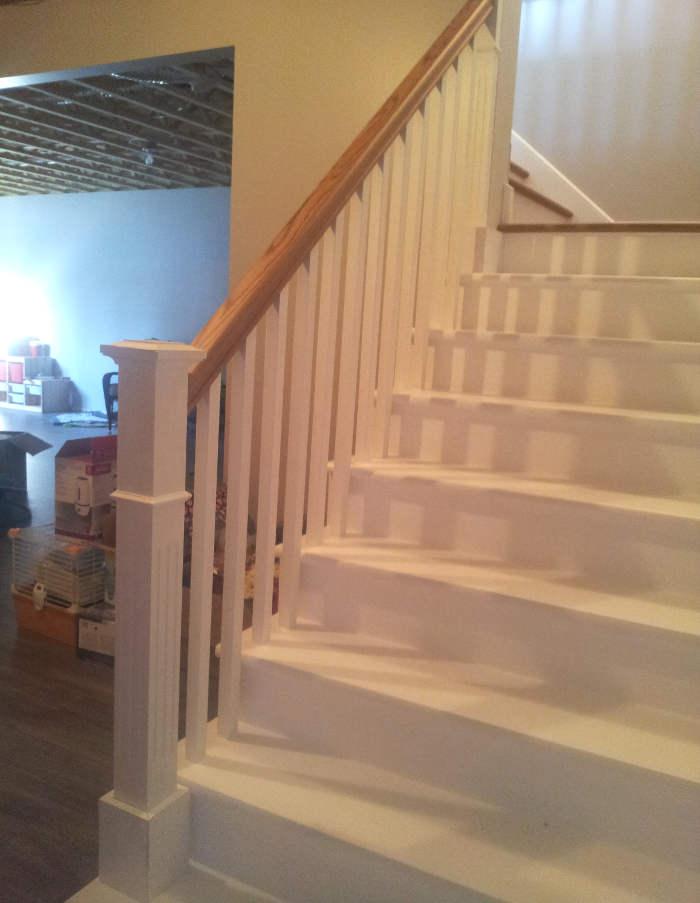 finition de l'escalier du sous-sol