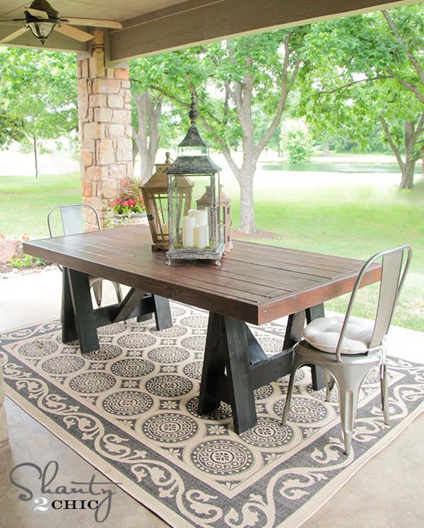 plan gratuit pour une table à diner extérieure