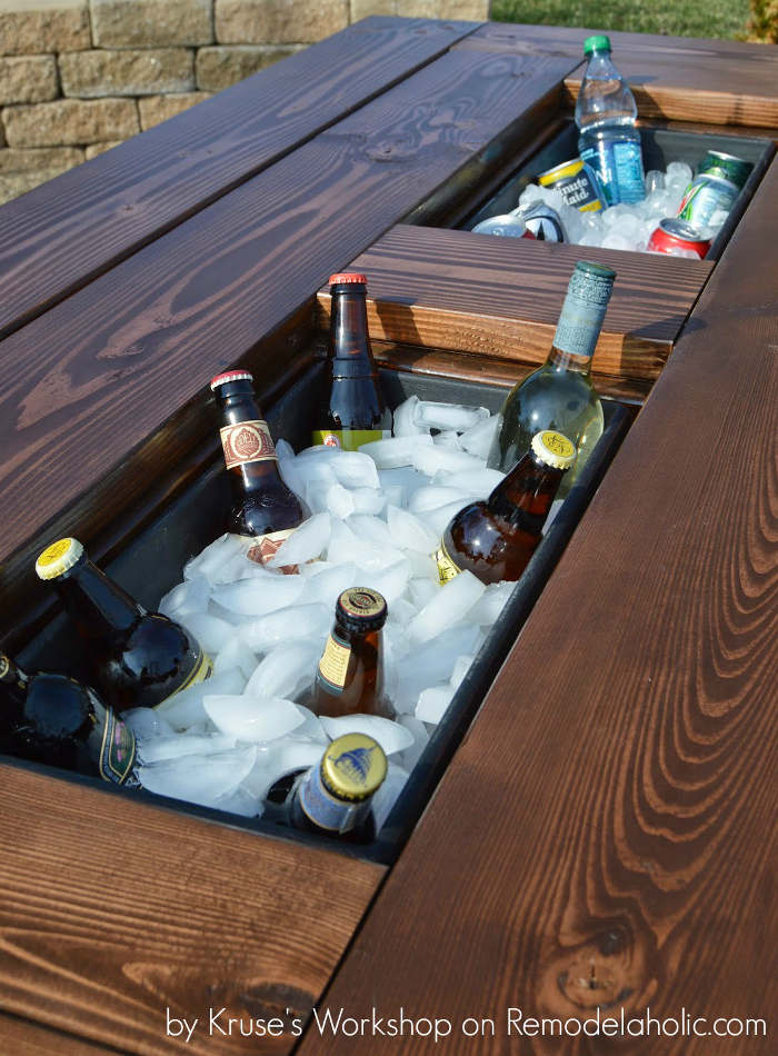Fabriquer une table de patio avec un espace pour les breuvages
