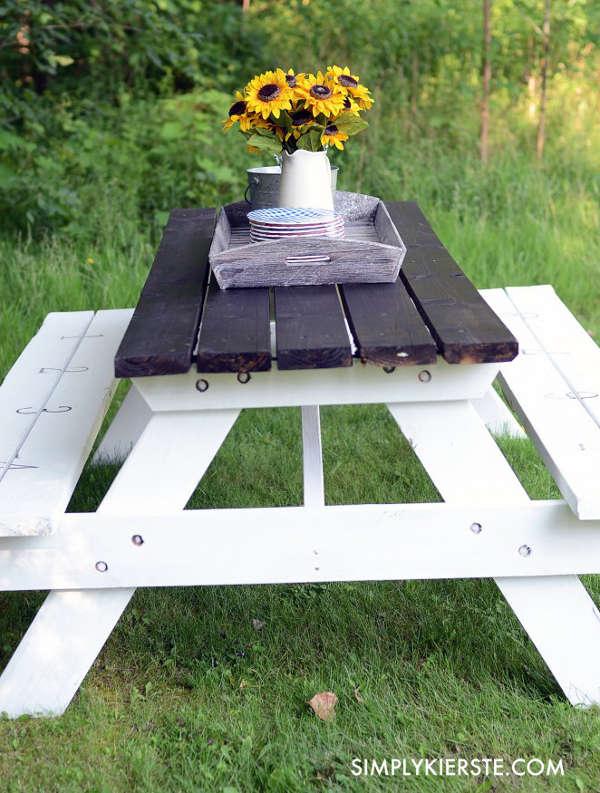 fabriquer une table de picnic en bois. Black Bedroom Furniture Sets. Home Design Ideas