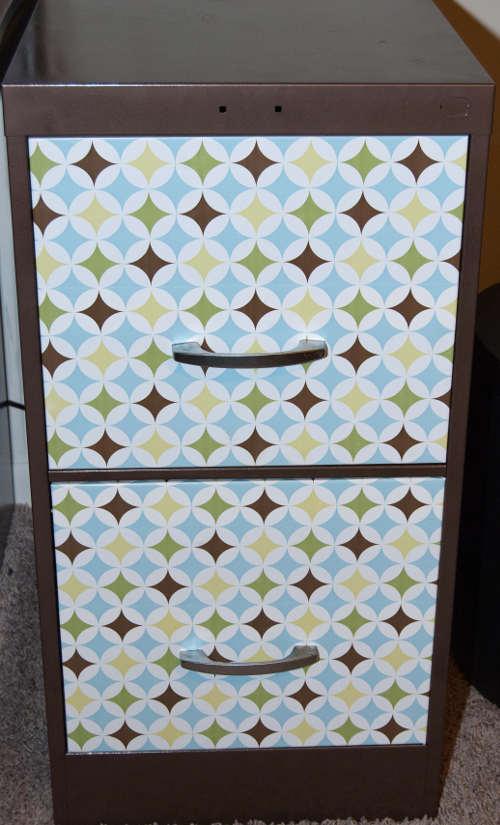 transformer les tiroirs d'un classeur avec du papier peint