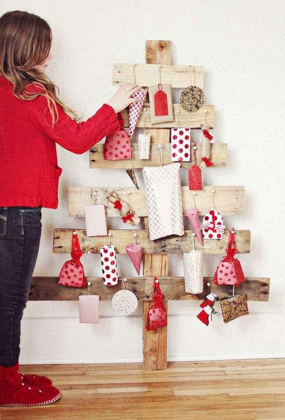 Sapin de Noël et calendrier de l'Avent en bois