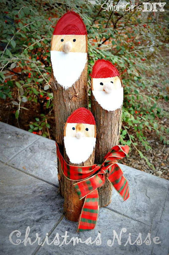 Décoration de Noël avec tronc d'arbre